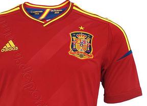 La Roja cambiará el escudo francés que luce en su camiseta