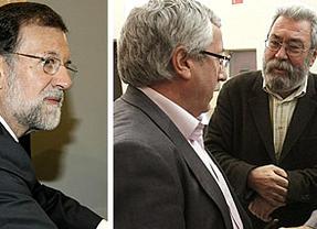 Rajoy prosigue con su agenda de fin de curso: este martes se reúne con sindicatos y patronal