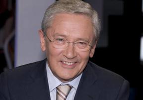 Fernando Onega, director de una tertulia en TVE