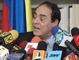 FARC divulgan fotos de espada de Bolívar