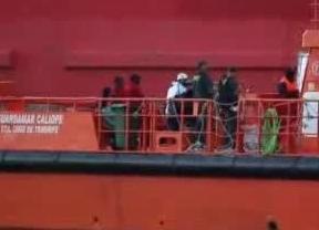 Falsa alarma de ébola en Canarias ante la llegada de una patera con 20 inmigrantes