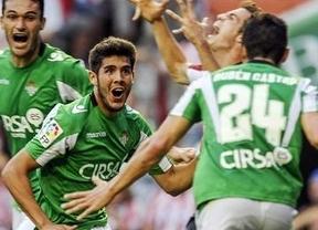 El Sevilla vence al Friburgo (2-0) y el Betis choca contra el muro de Rijeka (1-1)