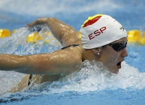 Gran hazaña de Mireia Belmonte, bronce europeo en su debú en los 5 kilómetros en aguas abiertas