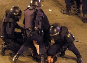 Los antidisturbios lucirán una identificación... pero rotará a diario