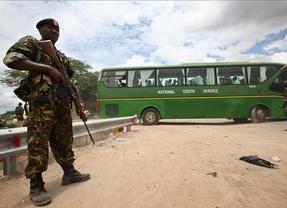 El ejército de Kenia bombardea dos bases de Al Shabab en respuesta al atentado contra la Universidad de Garissa