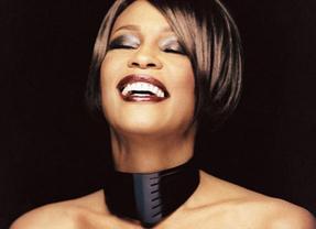 Whitney Houston: comienzan los rumores sobre muerte por mezcla de calmantes y alcohol y ahogamiento en la bañera