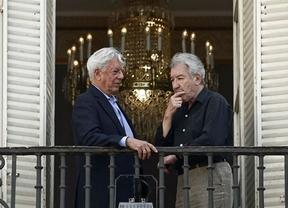 Un  espléndido José Sacristán  es 'El loco de los balcones', de Vargas Llosa, en el Teatro Español de Madrid