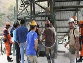 Cuadrillas excavan en mina ecuatoriana donde hay 2 muertos y 2 desaparecidos