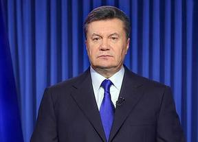 Yanukovich anuncia el adelanto de las elecciones y cambios en la Constitución ucraniana