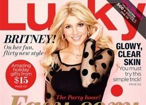 Una Britney Spears irreconocible posa para 'Lucky'; con peluca y toneladas de Photoshop