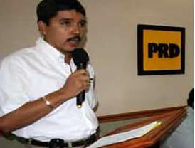 Renuncia el diputado Julio César Godoy Toscano a su militancia en el Partido de la Revolución Democrática
