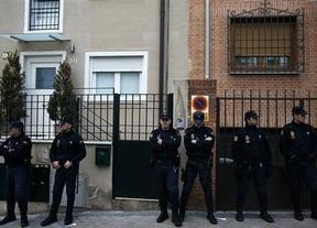 Perímetros de seguridad anti-escraches: la solución definitiva de Interior contra las nuevas protestas ciudadanas
