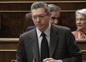 Piden la detención del suegro de Gallardón... y de Martín Villa