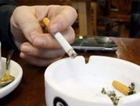Prohibido fumar en espacios públicos cerrados y algunos al aire libre