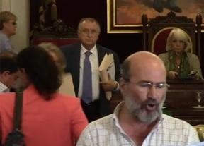 El PP de Cádiz deja a un ciudadano con la palabra en la boca y le apaga el micrófono