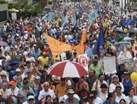 Correa reactiva juicio contra diario La Hora