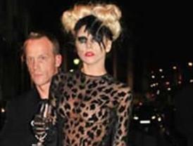 Lady Gaga se esta quedando sin cabello por tanto tinte