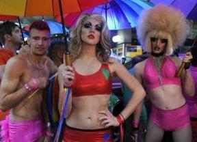 Extremadura financiará los cambios de sexo y la reproducción asistida para parejas de lesbianas