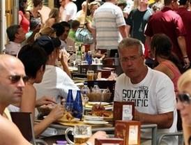Los turistas internacionales gastan 5.826 millones entre enero y agosto en Andalucía