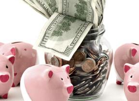 ¿Peligran mis ahorros?: Cómo protegerse en caso de 'corralito' o salida del euro