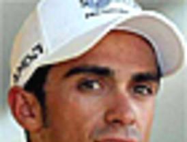 Ayudan a Contador, pero tarde...
