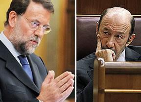 Rajoy se niega a hablar del 'caso Bárcenas' y Rubalcaba le acusa de irse de