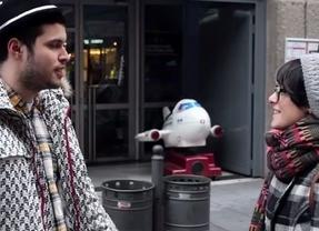 Estudiantes universitarios hacen el contra-anuncio de Campofrío 'Hazte aventurera'