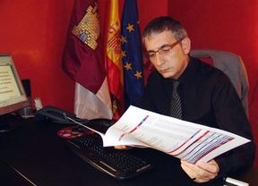El alcalde de Valdepeñas remite una carta a los vecinos para explicar que 'les defenderá' de las cláusulas suelo