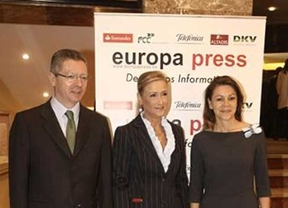 Cospedal 'cimenta' la 'gran carrera política' de Cristina Cifuentes