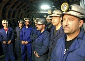 Los mineros asturianos abandonan su huelga; tras dos meses de 'encierro', vuelven a las minas
