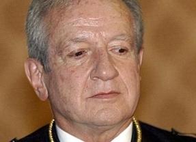 Pascual Sala pide a Posada que cumpla la Constitución