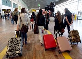 La crisis ahuyenta a los extranjeros de España: se registran 304.623 residentes menos en 2014