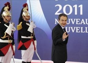 Un artículo del 'The Guardian' asegura que tras Papandreu y Berlusconi, Zapatero es el siguiente