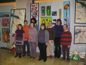 Pelegrín visita la VIII Muestra Arte Sano en la que se recogen obras realizadas por miembros de Assido