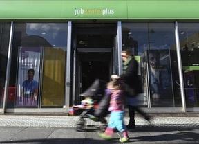 El desempleo en Europa se redujo 1 décima en febrero frente a las 2 de España