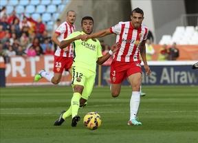 Luis Suárez salva a un Barça en apuros ante el Almería (1-2)