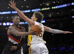 Pau da la de arena: acaba en el banquillo y arrastra a sus Lakers a caer ante Portland (108-114)