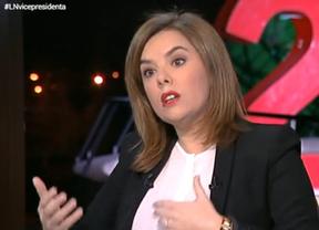 Ofensiva mediática del Gobierno contra los nuevos partidos que arrasan: Soraya previene contra Podemos tras ganar Syriza