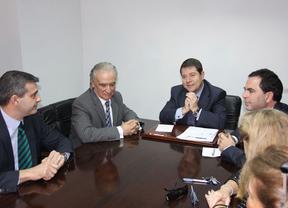 Page se compromete a estar cada seis meses en Talavera y Riolobos dice que es