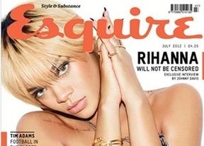 Rihanna ofrece un topless y un posado sexy para la revista 'Esquire'