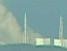 Japón descarta daños en la armadura del reactor en Fukushima pero amplía a 20 km el radio de evacuación