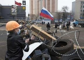 Europa, ante un serio problema en Ucrania: Putin advierte de 'un callejón sin salida' y crece la tensión militar