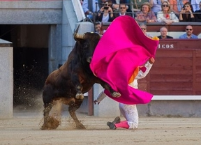 San Isidro: Fandiño torea y Abellán corta oreja en interesante corrida de Parladé con un airazo molesto