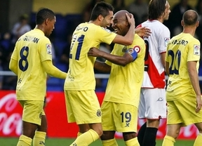 Valencia y Villarreal ganan fácil en casa y sus entrenadores respiran... de momento