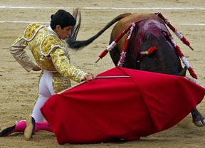 La torería y frescura de López Simón le abren la Puerta Grande de Colmenar Viejo