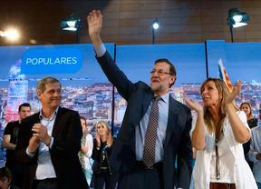 Activistas antidesahucios interrumpen tres veces a Rajoy en su mitin de Barcelona