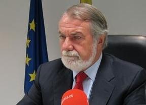 Mayor Oreja 'apuñala' por la espalda a Rajoy: asegura que está dando oxígeno a ETA
