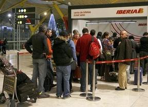 Huelga de Iberia: Una relativa calma inicial da paso a varios arrestos en la Terminal 4