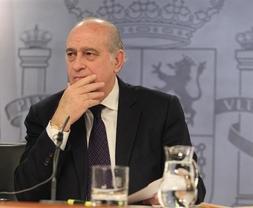 Fernández Díaz carga contra los Mossos: 'Los que no tienen el más mínimo sentido de Estado no pueden luchar contra el terrorismo'