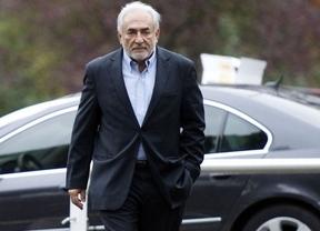 Strauss-Kahn se libra de 'las rejas' tras ser acusado de proxenetismo y pasar dos días en el calabozo